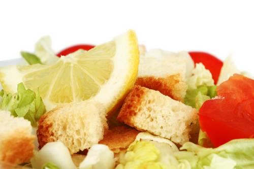 Toskanska solata s kruhom