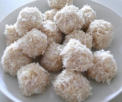 Kokosove snežne kroglice
